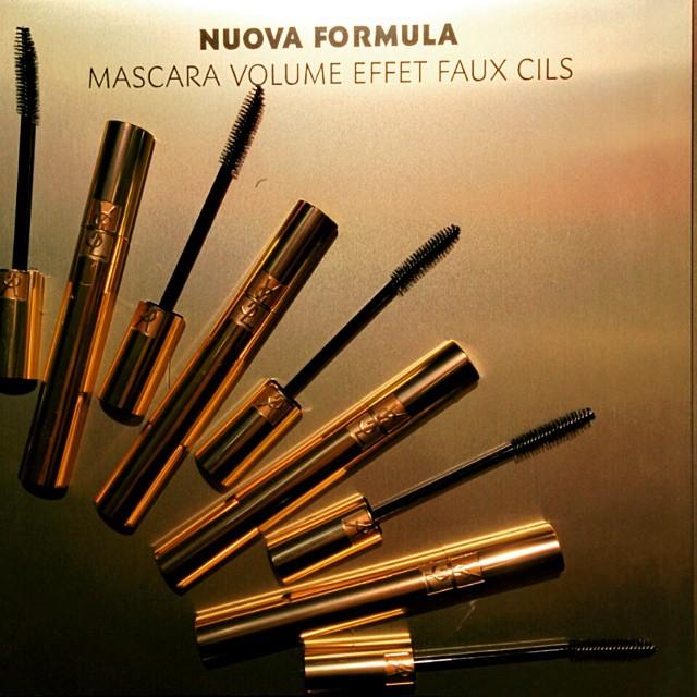 Alza il volume, entra nella leggenda. New #YvesSaintLaurent Mascara Volume Effect Faux Cils #GetOnStageYSLBeauty