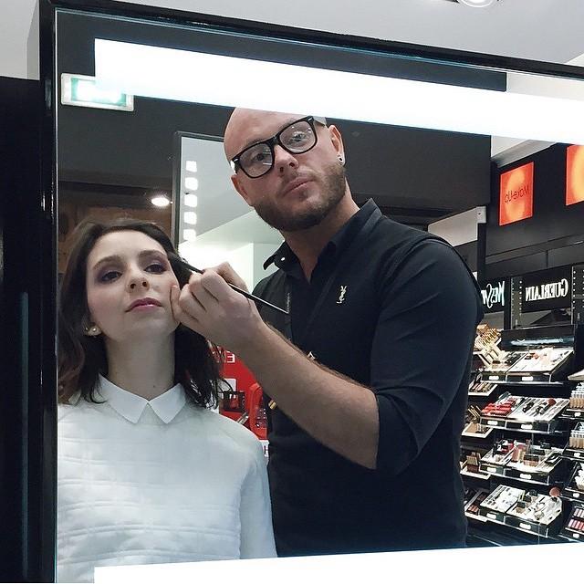 RT: @blueisinfashion had her YSL make-up done in #Verona #getonstageYSLbeauty