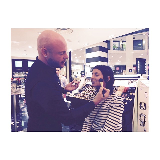 Il make up artist Alessandro Petri con la nostra @michela_grazia_it #weloveit ##getonstageYSLbeauty #grazialovesysl @sephoraitalia @yslbeauty