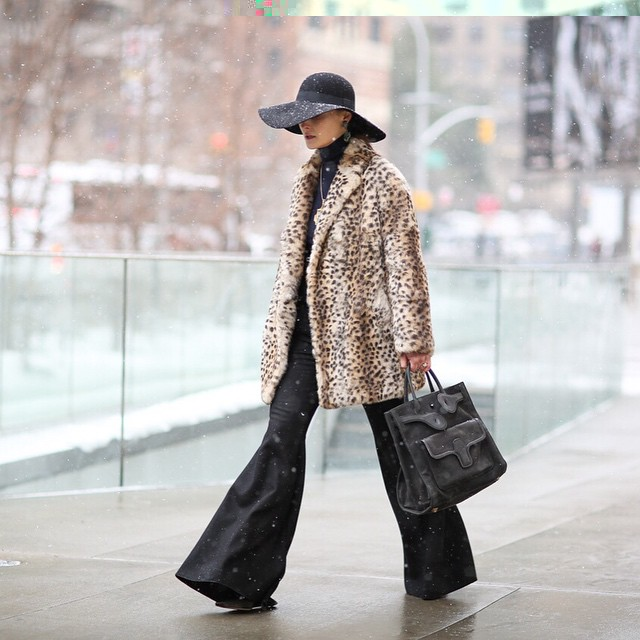 Animalier under the snow, check out our #streetstyle by Victoria Adamson @vickiphoto link in bio ☝️! #nyfw #animalier #weloveit link