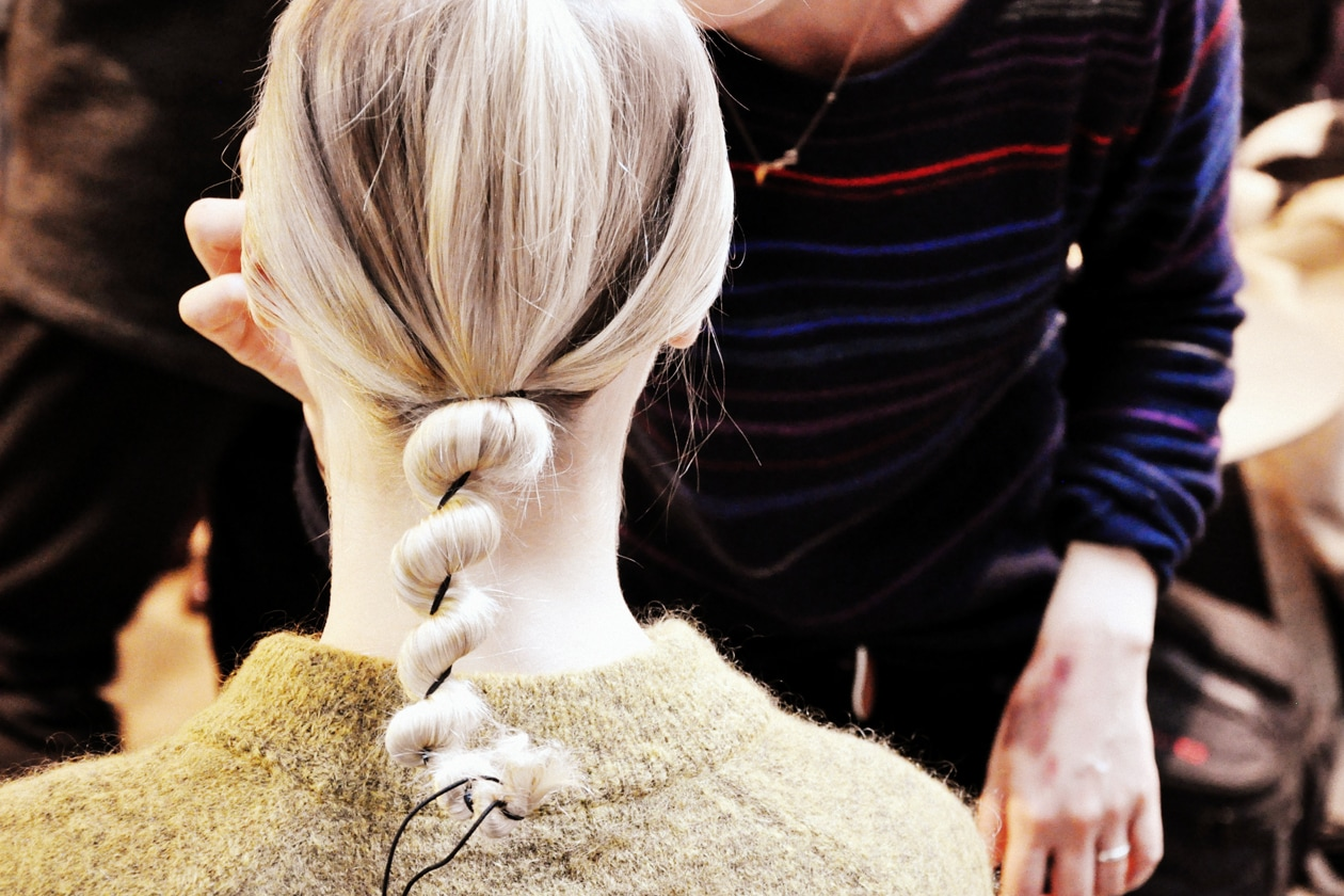 Backstage sfilata Antonio Marras: twisted knot