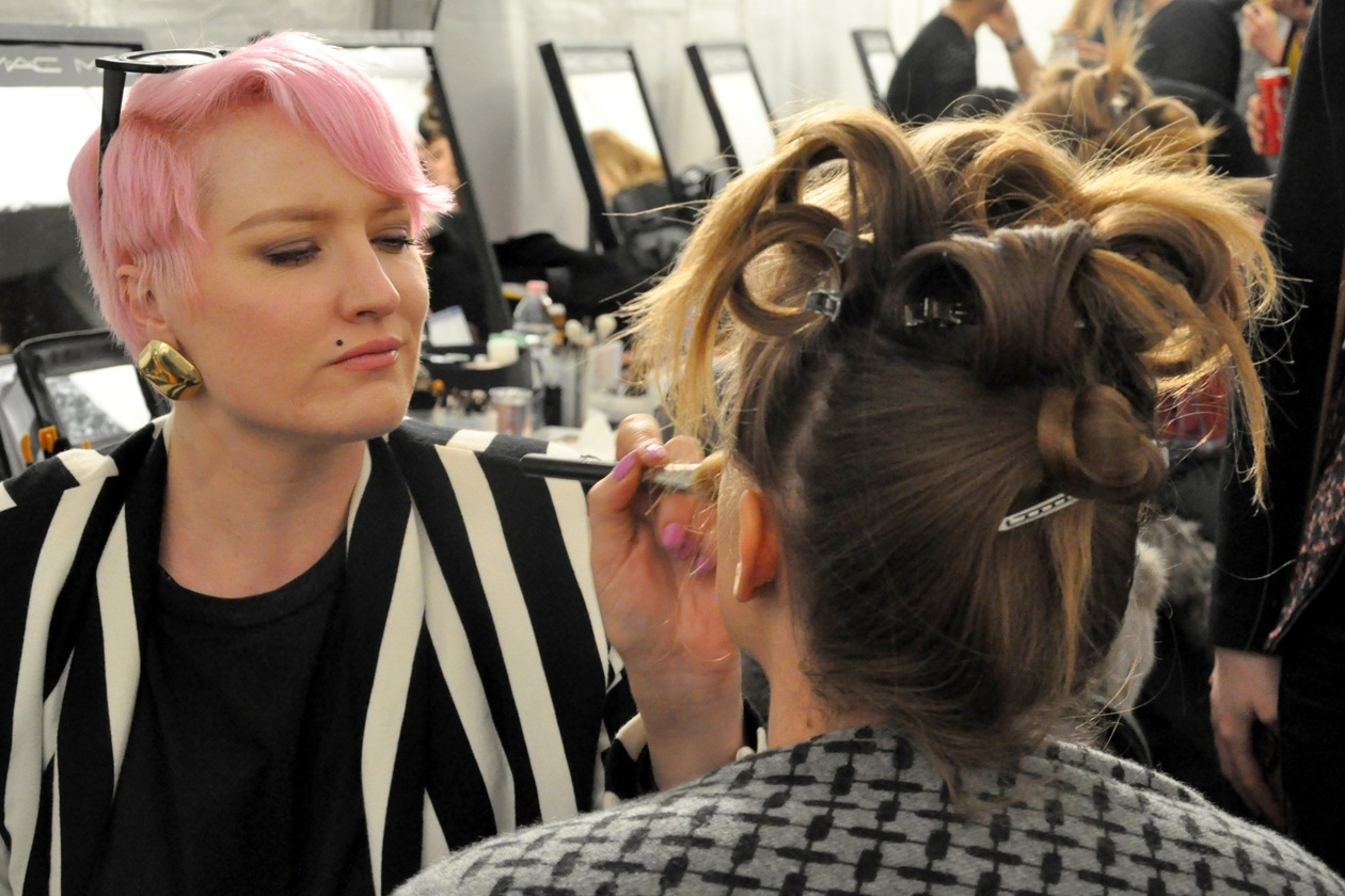 Backstage sfilata Moschino: i look del backstage