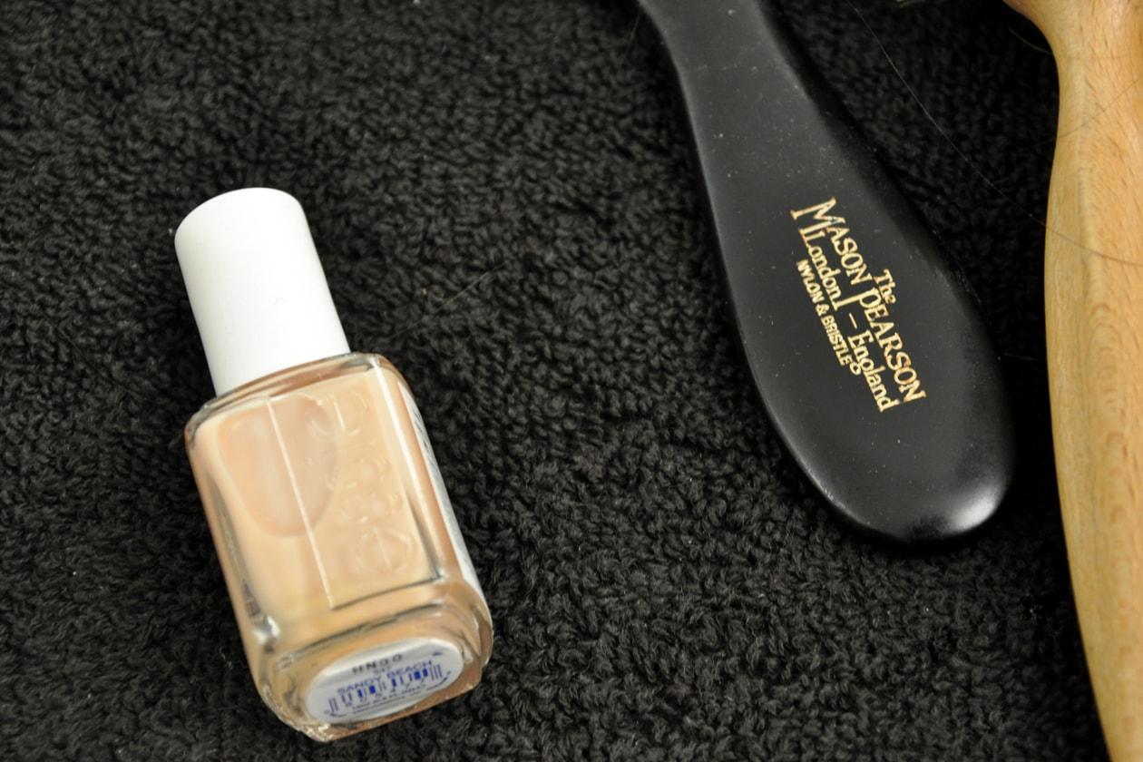 Backstage sfilata Moschino: la manicure