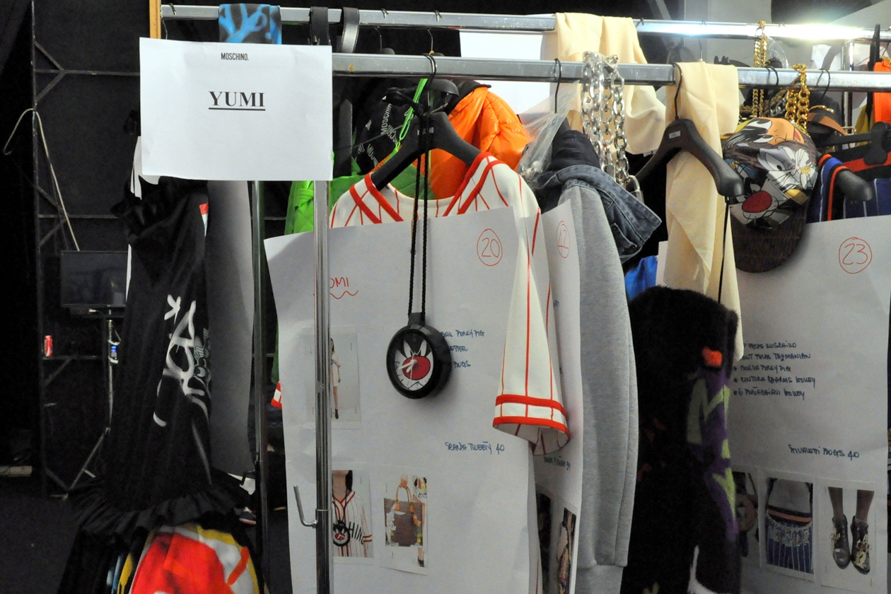 Backstage sfilata Moschino: street style