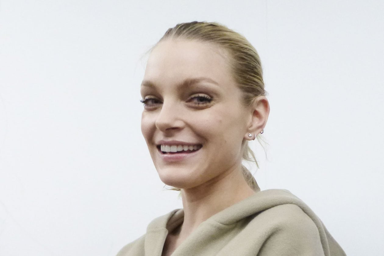 Backstage sfilata N°21: Jessica Stam pronta per il fitting