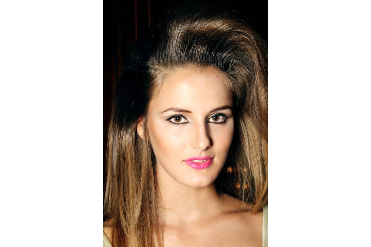 Capelli bronde: hair look Anni 80 con effetto sfumato