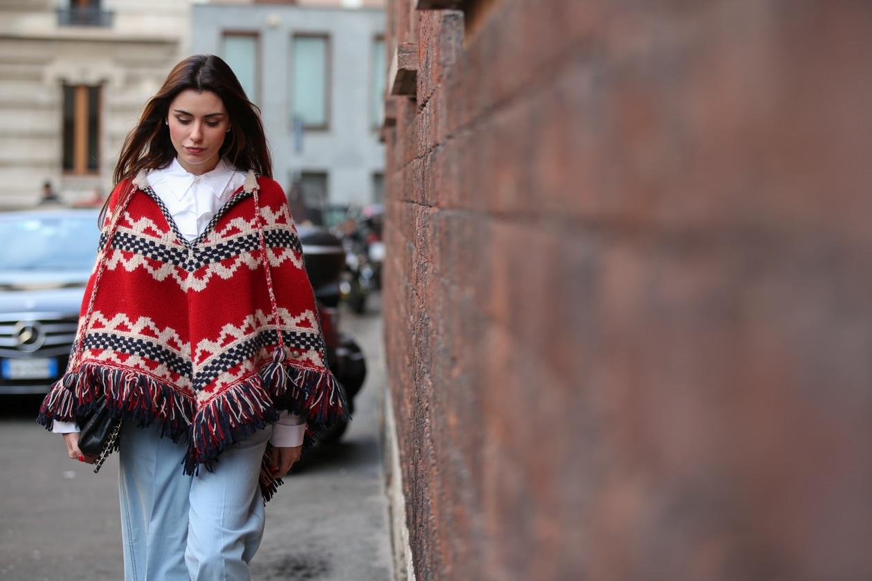 Capelli con la riga in mezzo: dallo street style di Milano