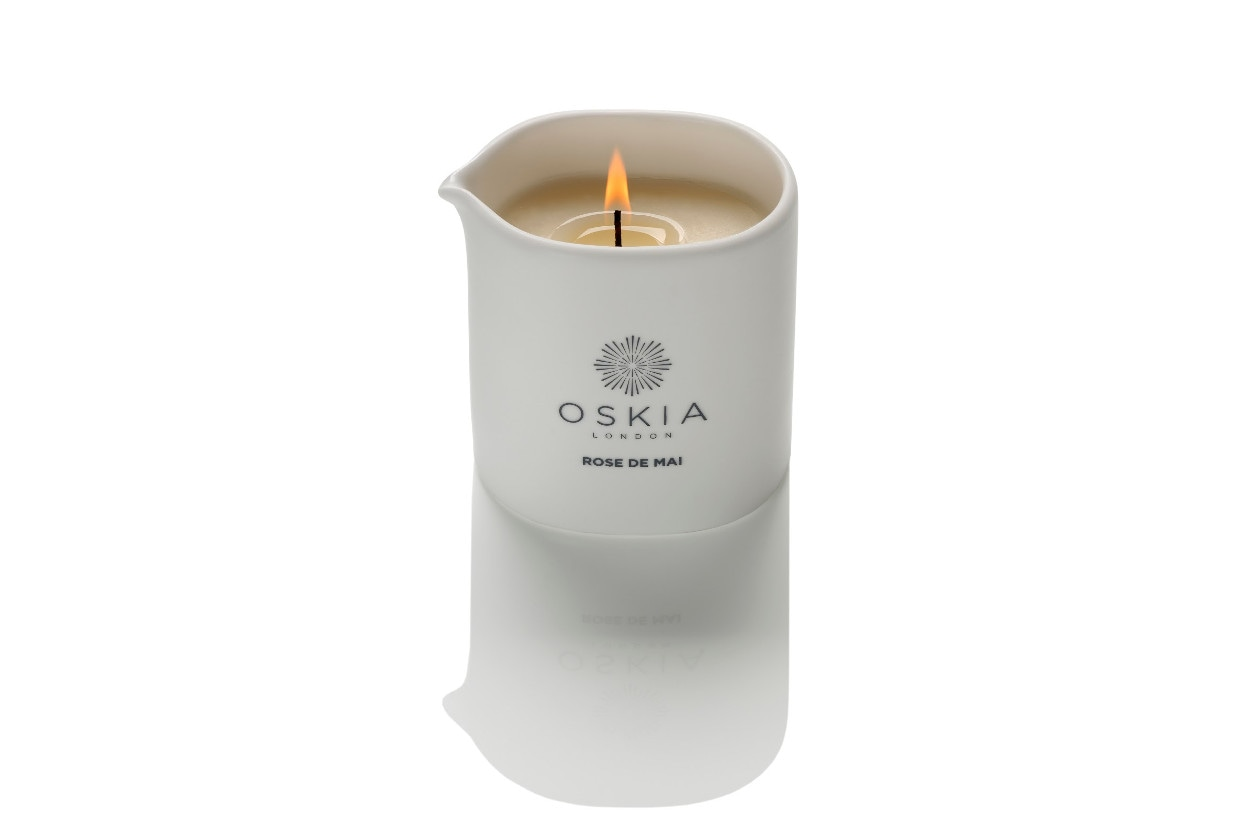 Come preparare un bagno rilassante con prodotti beauty: Oskia London Rose de Mai Massage Candle