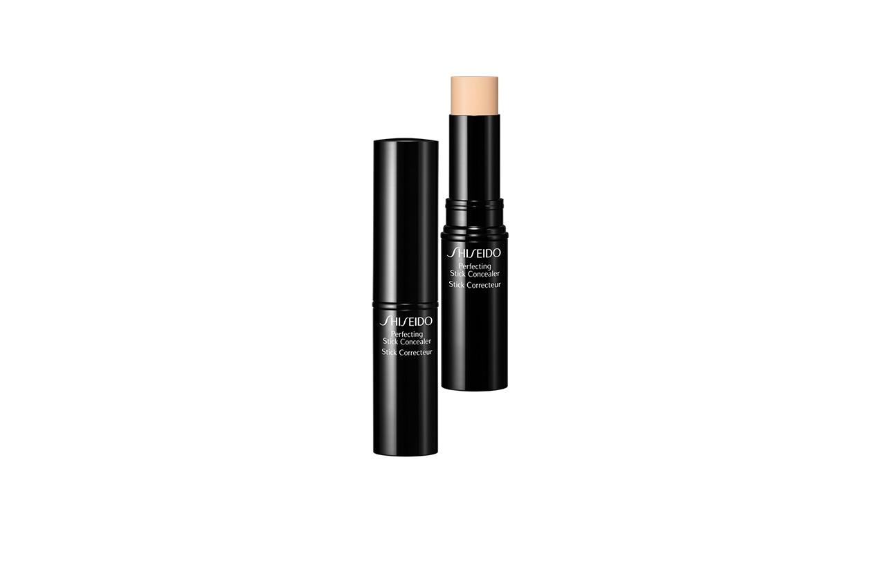 Correttore in stick in Natural Light di Shiseido