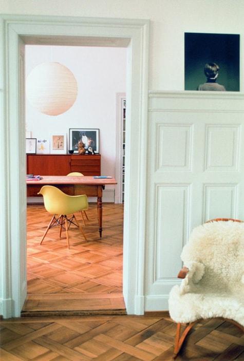 Eames Plastic Armchair 2