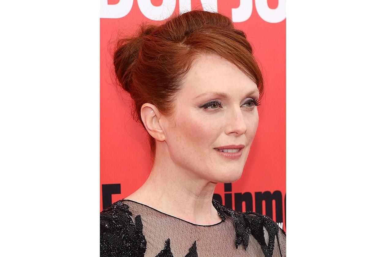 I raccolti esaltano i bellissimi lineamenti dell'attrice (2013)