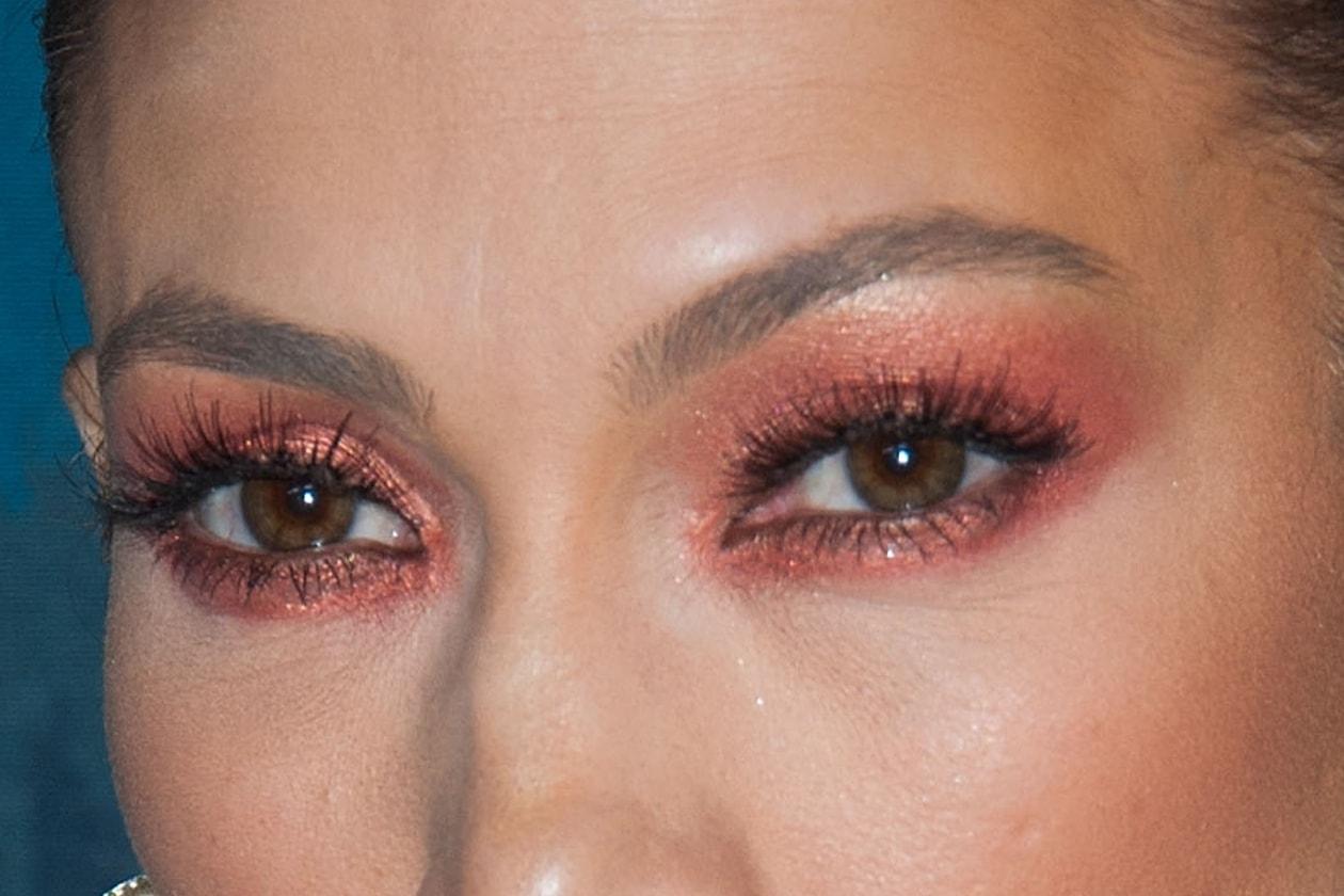 Jennifer Lopez: il focus sul trucco occhi