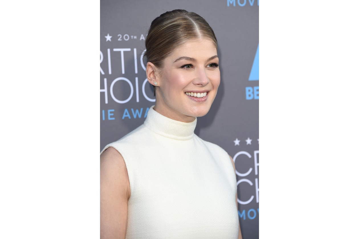 Rosamund Pike get the beauty look
