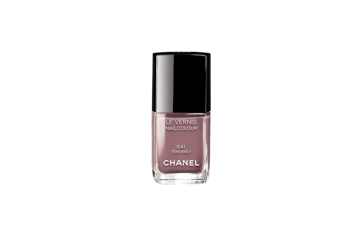 Smalti nude: Chanel Le Vernis in Tenderly