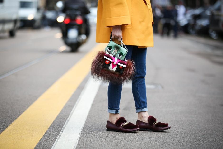 Tendenza dallo street style: la doppia borsa
