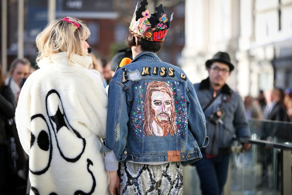 Tendenza dallo street style: le giacche in jeans
