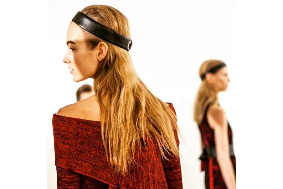Trend capelli AI 15-16 dalla LFW: headband and textured hair