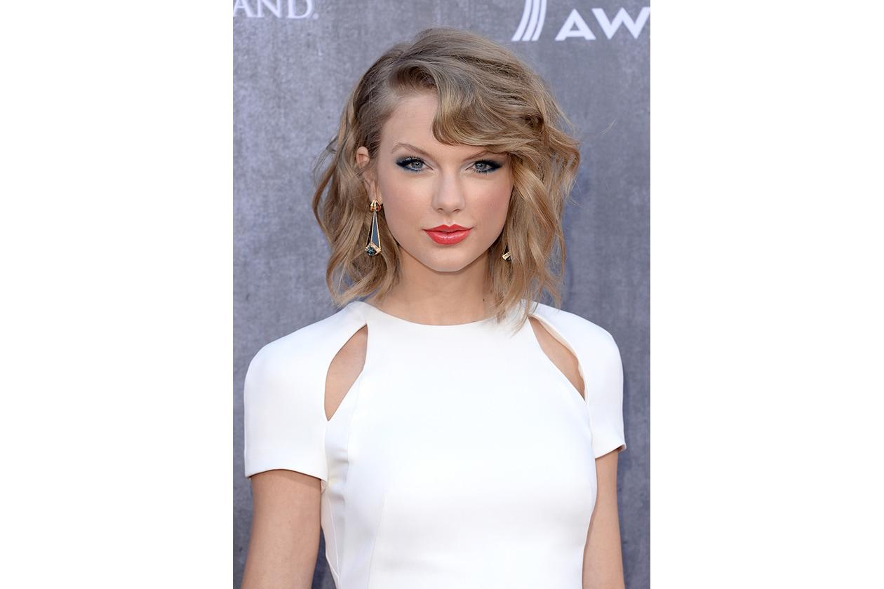 Trucco correttivo: il segreto di Taylor Swift