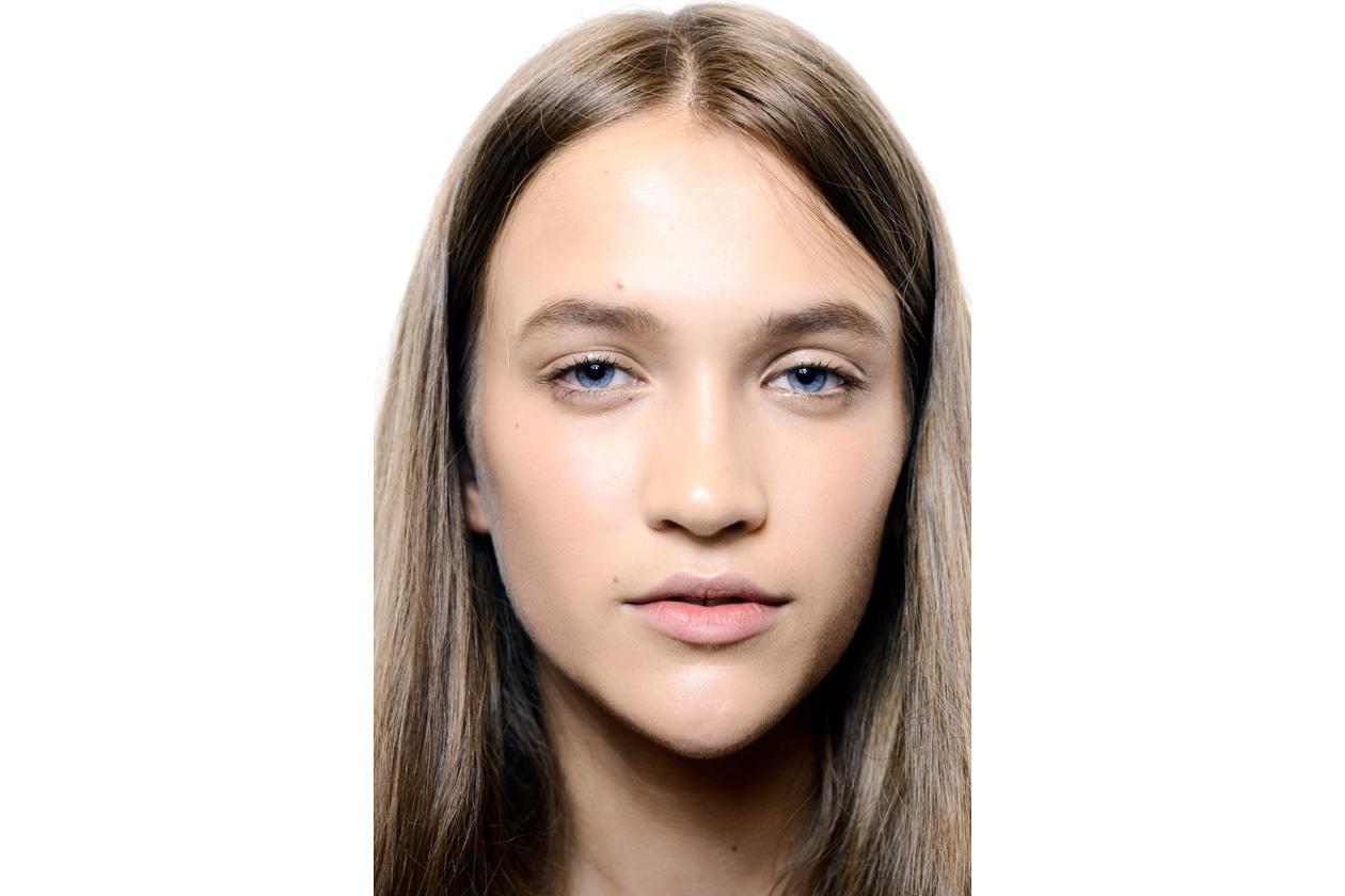 Trucco viso: tendenza incarnato glowy