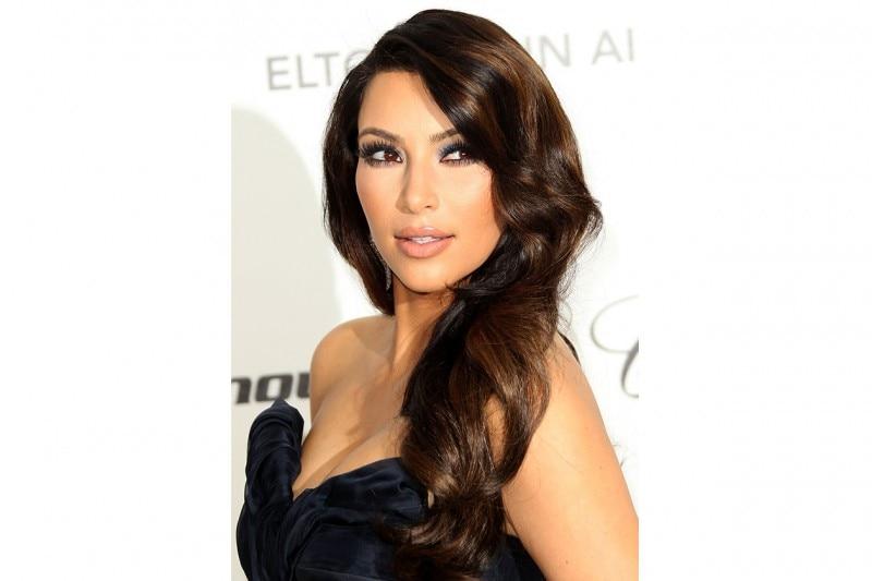Uno degli hairdo preferiti: capelli raccolti di lato (febbraio 2011)
