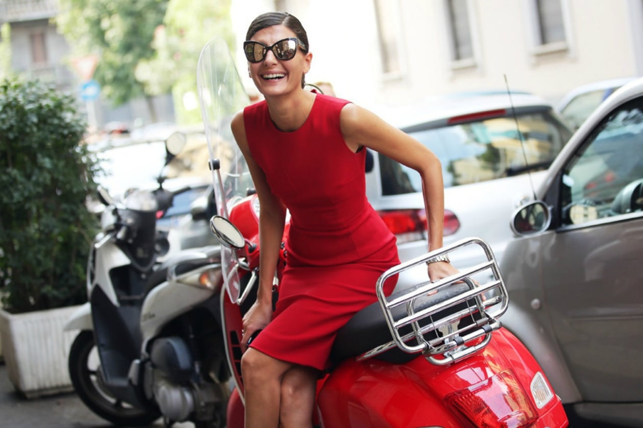 GIOVANNA BATTAGLIA MAKE UP: SMILING IS COOL