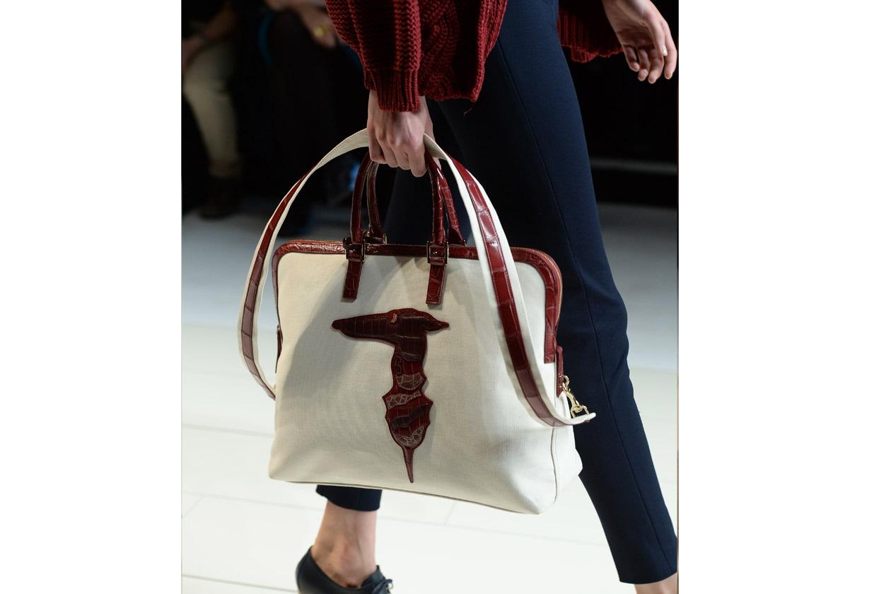 Design essenziale per la nuova Trussardi Doctor Bag