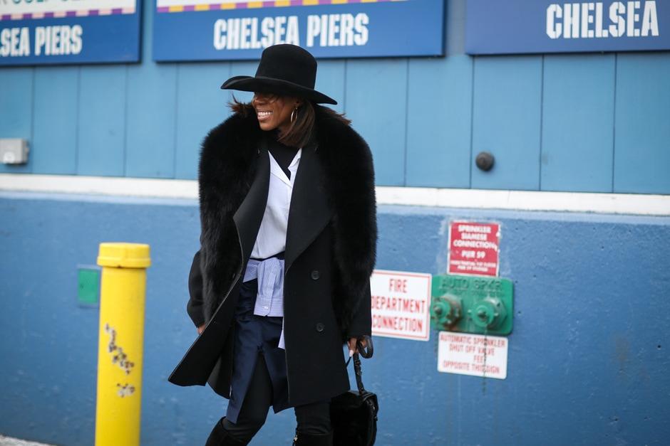 ACCESSORI COOL DALLO STREET STYLE: cappello a tesa larga