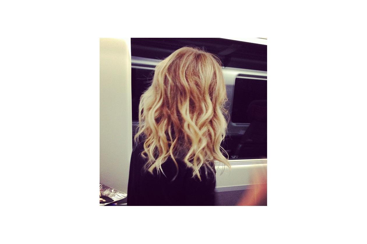 Alessia Marcuzzi capelli: iconic waves