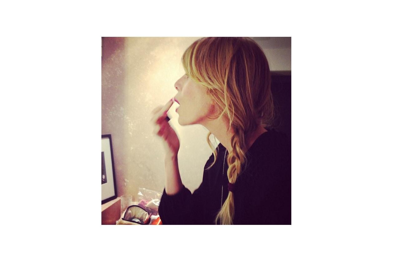 Alessia Marcuzzi capelli: treccia laterale