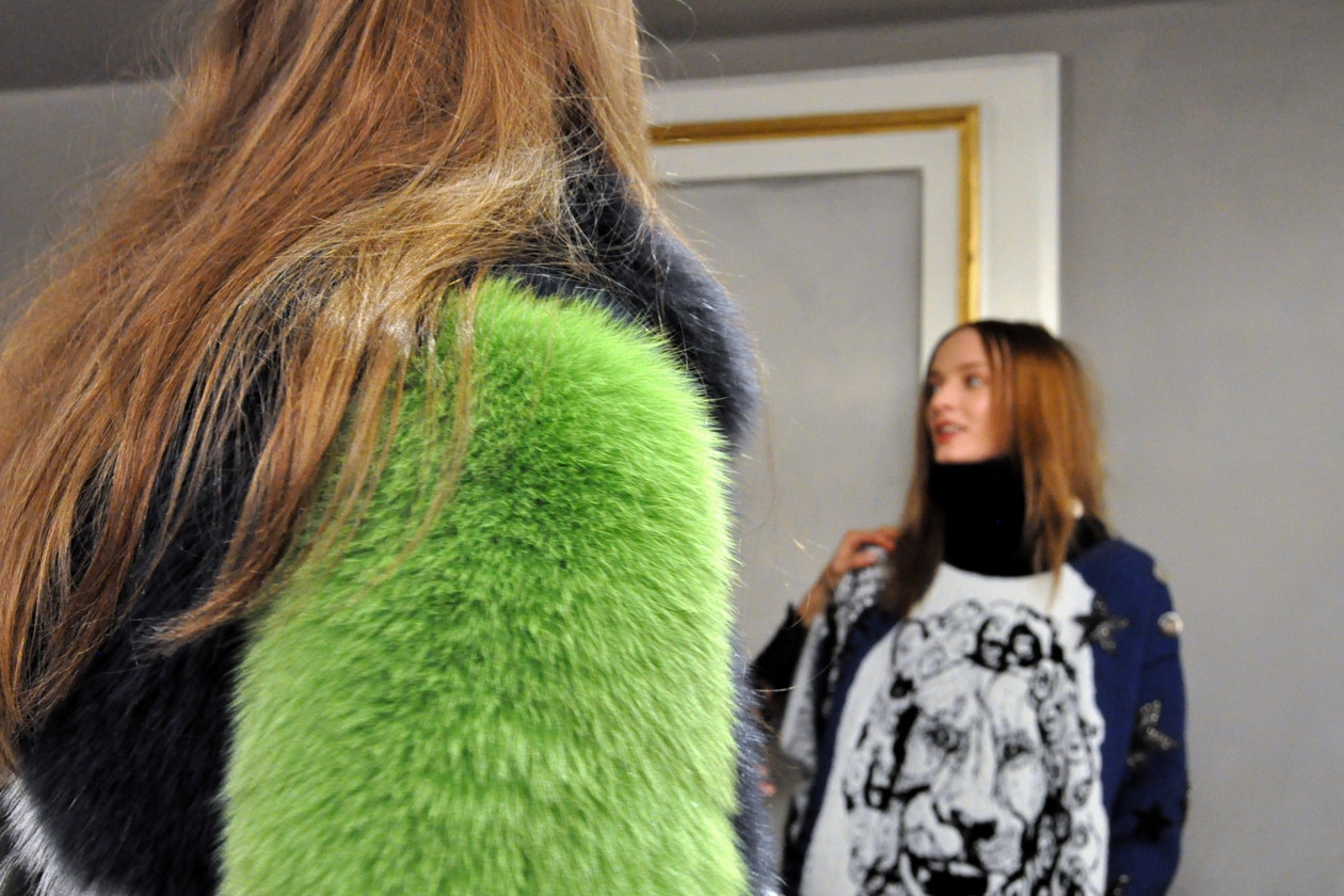 BACKSTAGE EMILIO PUCCI A/I 2015-16: GREEN FUR