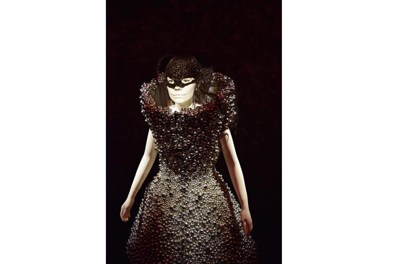 Björk Medulla ensemble 2004