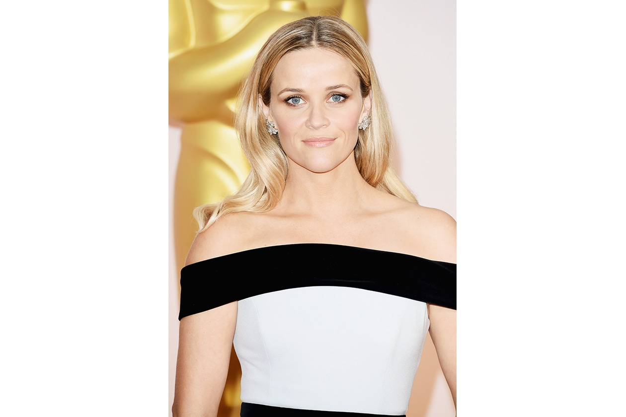 Capelli con la riga in mezzo delle star: Reese Whiterspoon