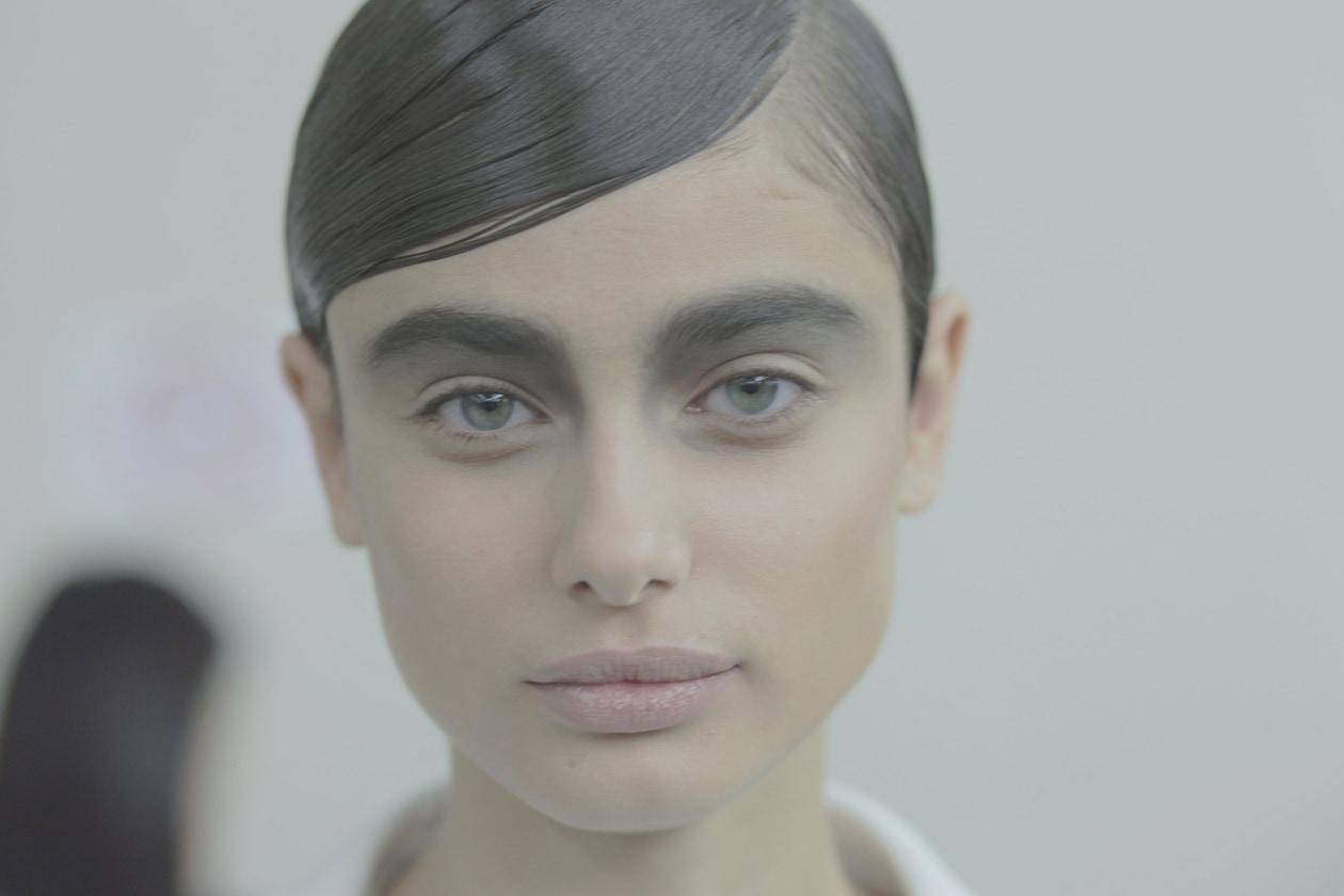Chanel Prêt-à-Porter Autunno/Inverno 2015-16: il make up e il backstage beauty