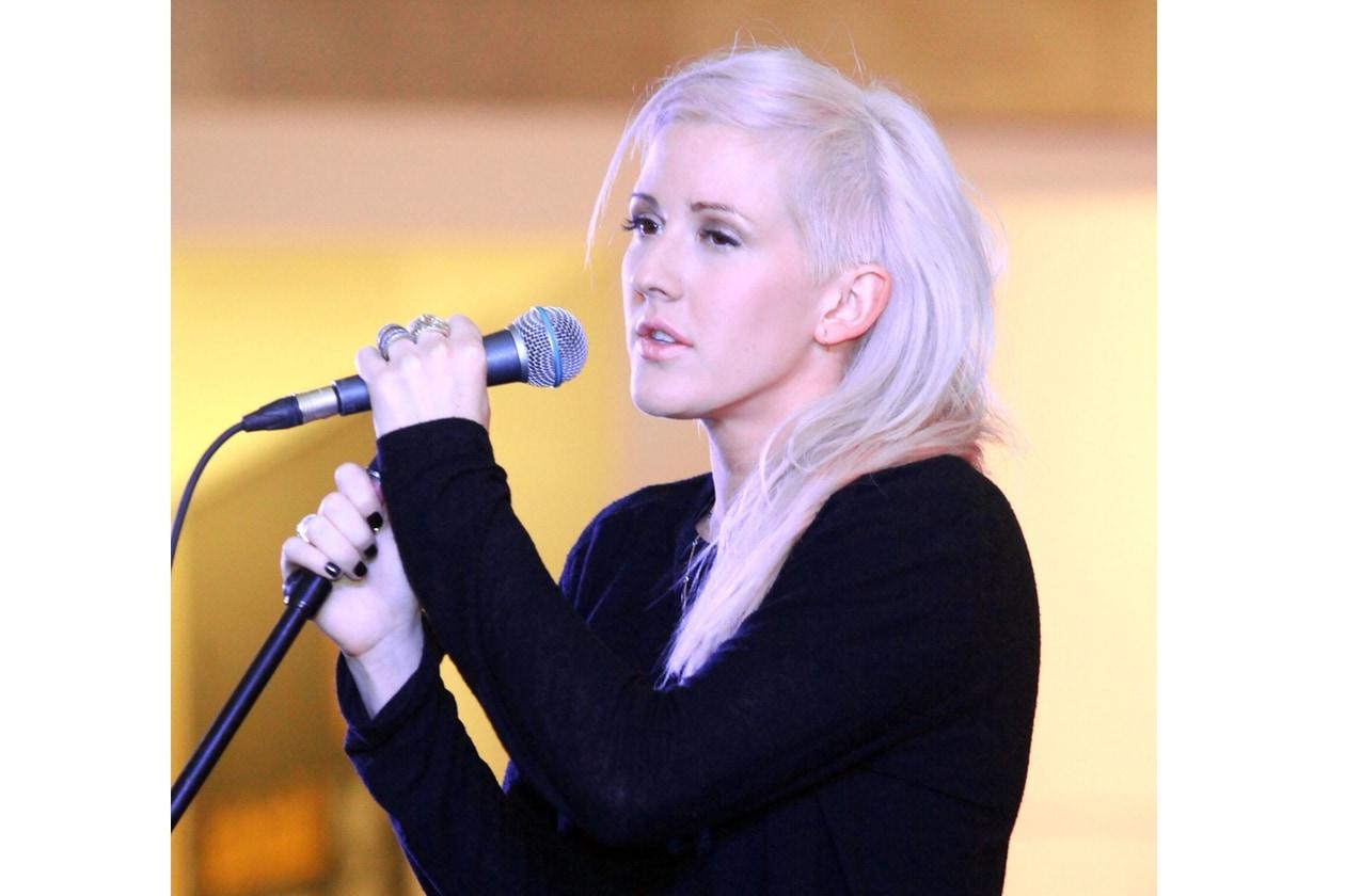 Ellie Goulding capelli: acconciatura asimmetrica con rasatura