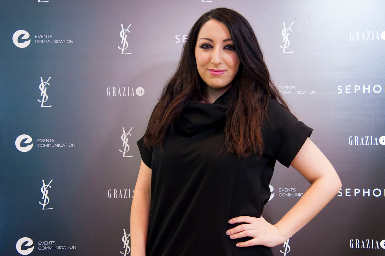 #GETONSTAGEYSLBEAUTY: L'IT BLOGGER VERONICA CRISTINO IN POSA DAVANTI AL WALL