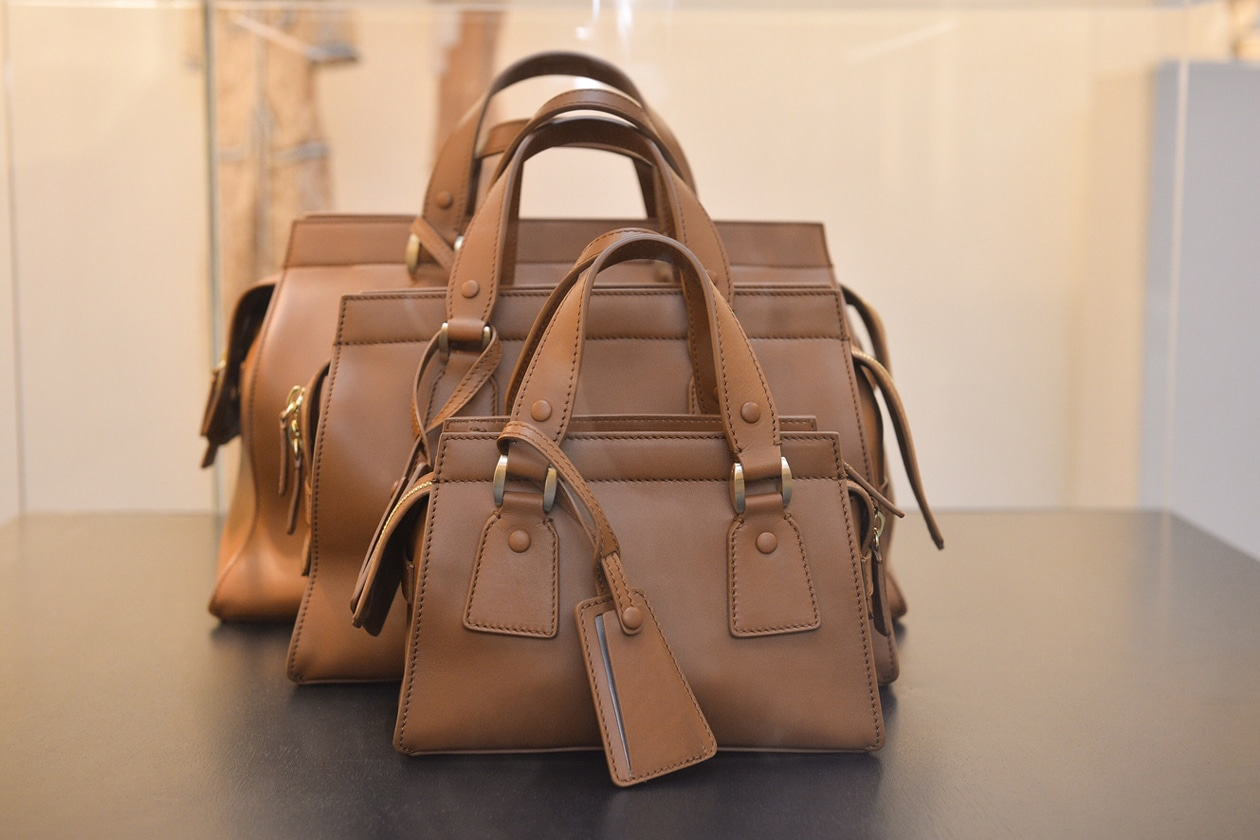 Giorgio Armani presenta Le Sac 11, una borsa in edizione numerata