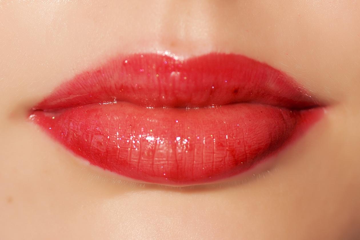 Lucidalabbra: rosso fragola intenso