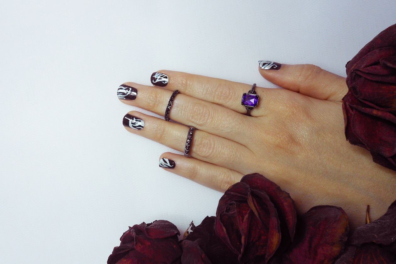 Nail Art Primavera 2015: 4. Dark Flowers – nail art