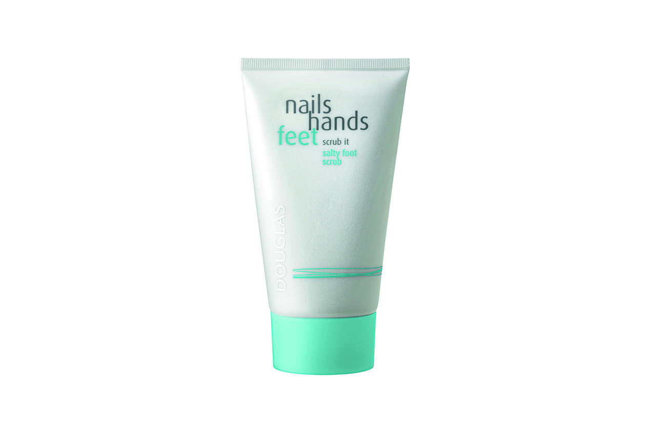 Nails Hand Feet Scrub it Salty Foot Scrub di Douglas
