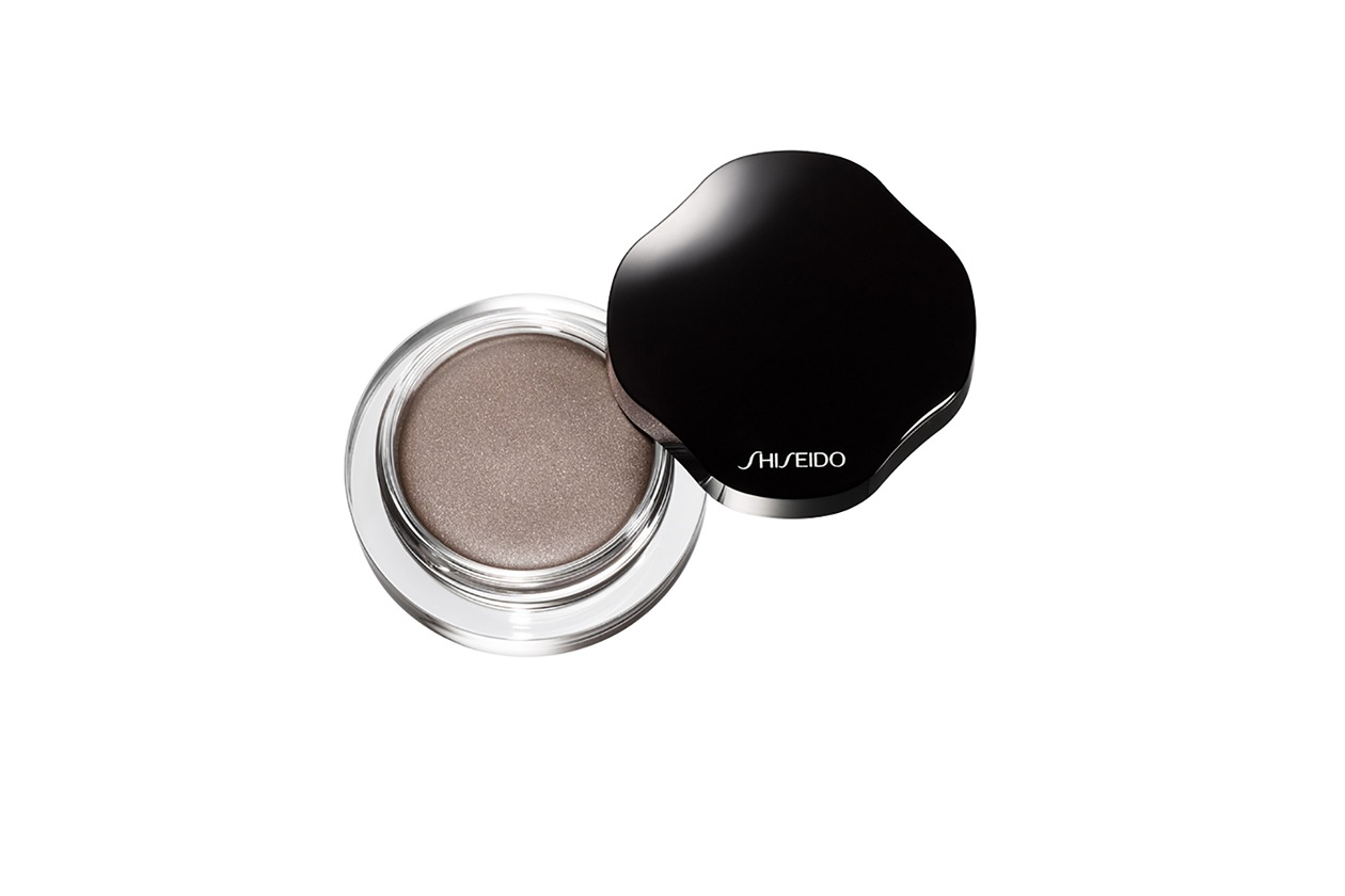 OMBRETTI IN CREMA: Shimmering Cream Eye Color in Fog BR727 di Shiseido