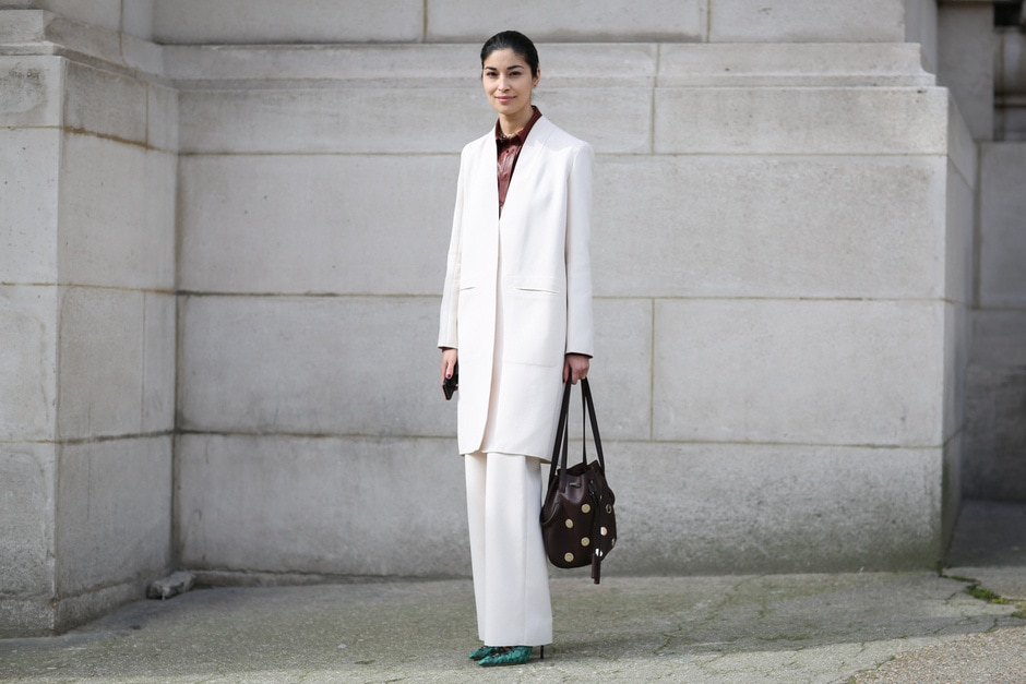 Street Style: Caroline Issa in completo bianco