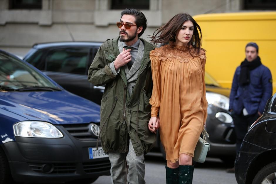 Street Style: abito romantico e stivali in pelle