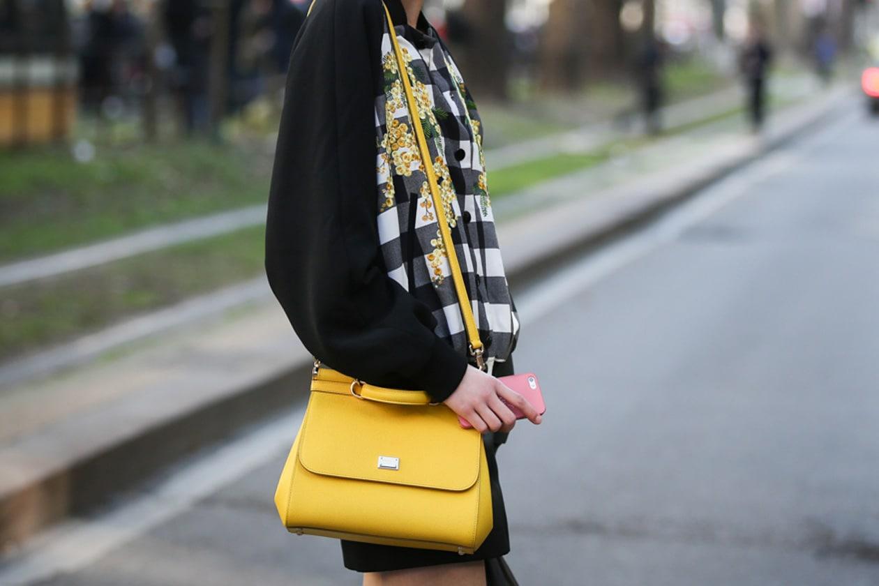 Street style trends: la borsa gialla