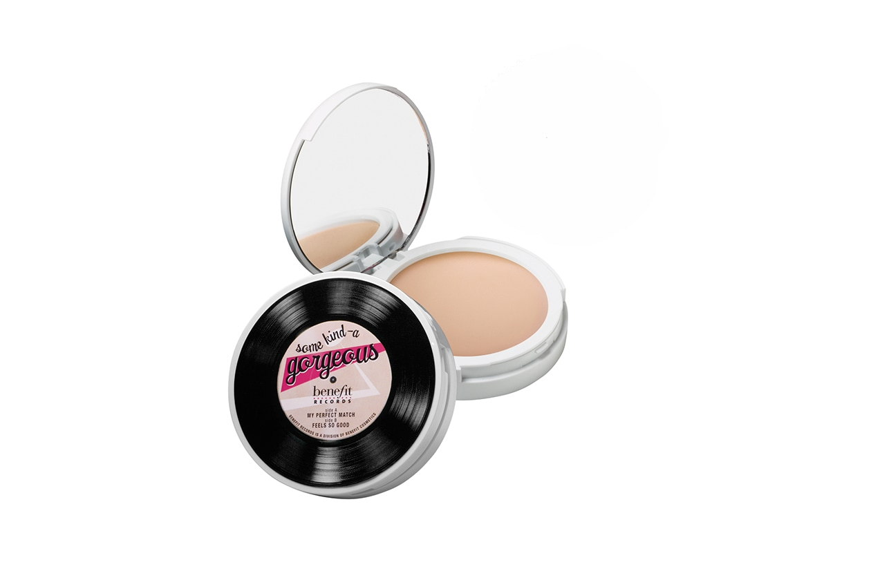 fondotinta per la pelle grassa: benefit some kind-a gorgeous