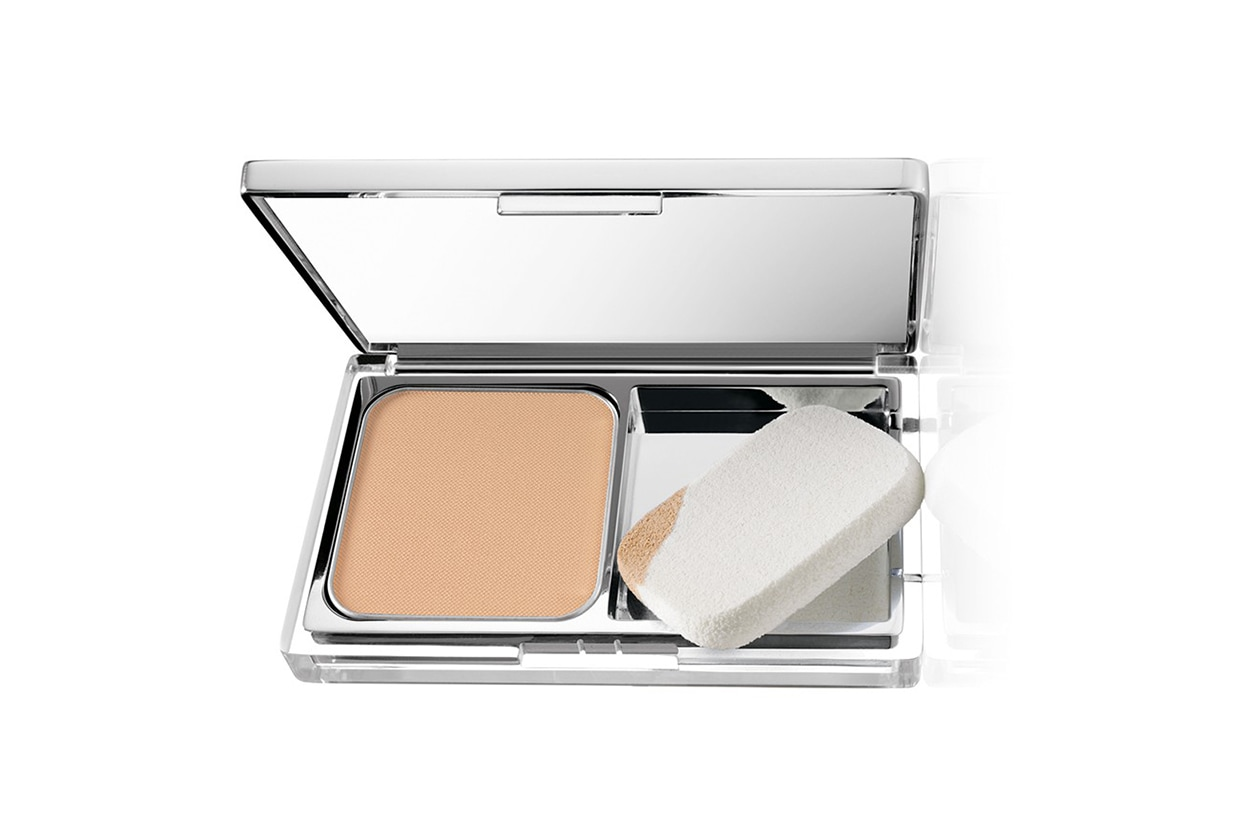 fondotinta per la pelle grassa: clinique even better compact makeup