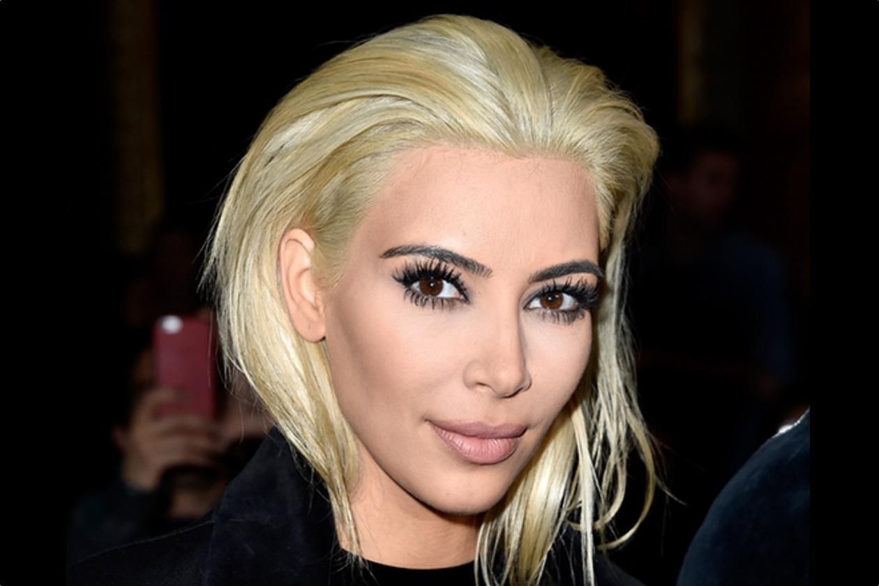 Kim Kardashian bionda