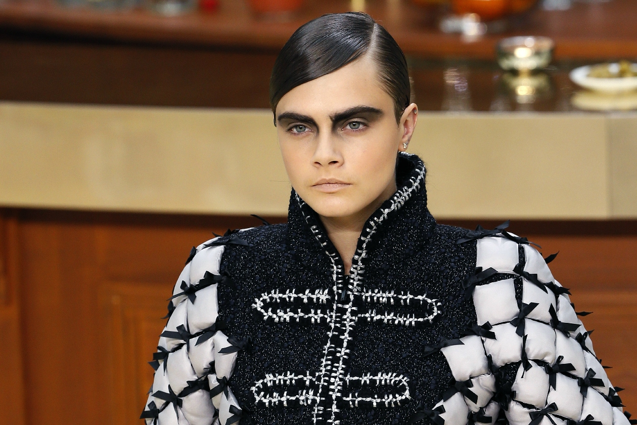 TENDENZE BEAUTY PFW AUTUNNO/INVERNO 2015-2016: DARK AND SMOKED