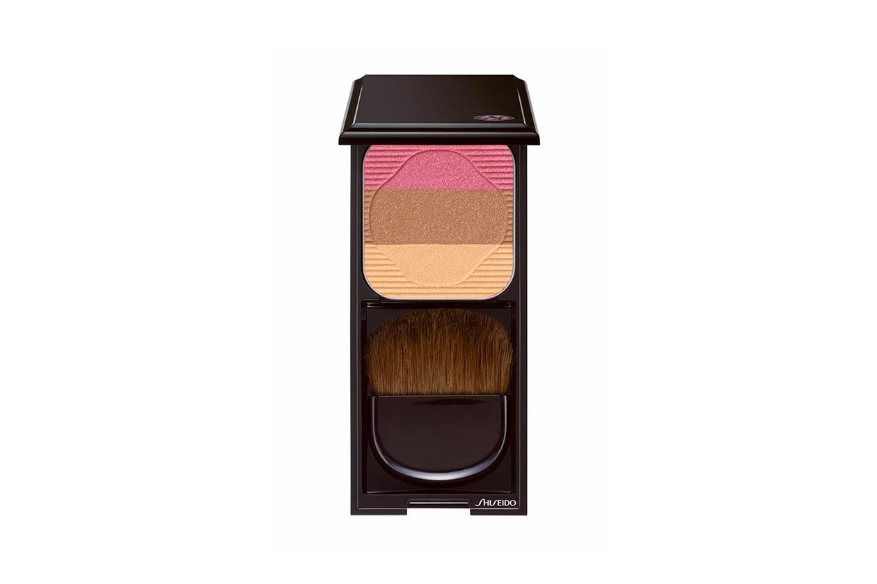 Contouring viso: Shiseido Face Color Enhancing Trio