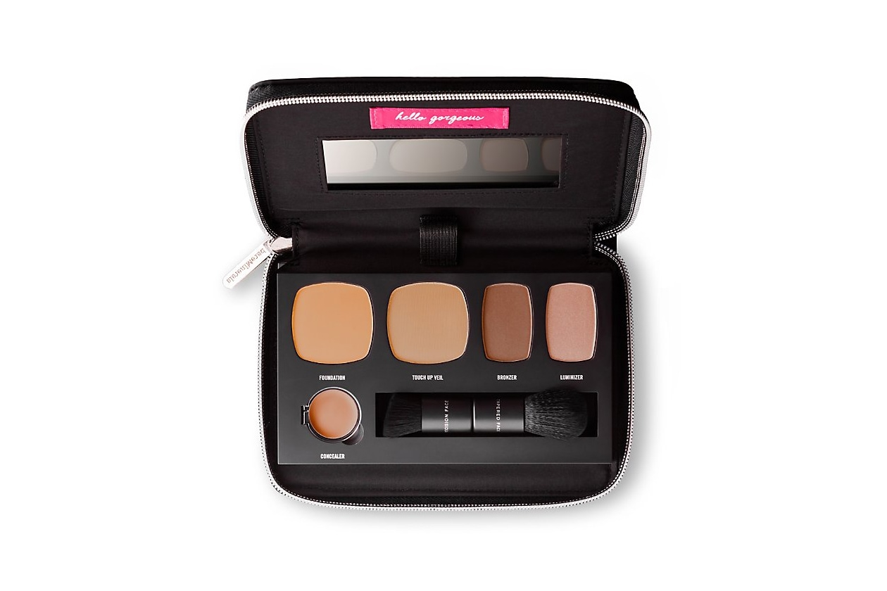 Contouring viso: bareMinerals Ready To Go Complexion Perfection Palette