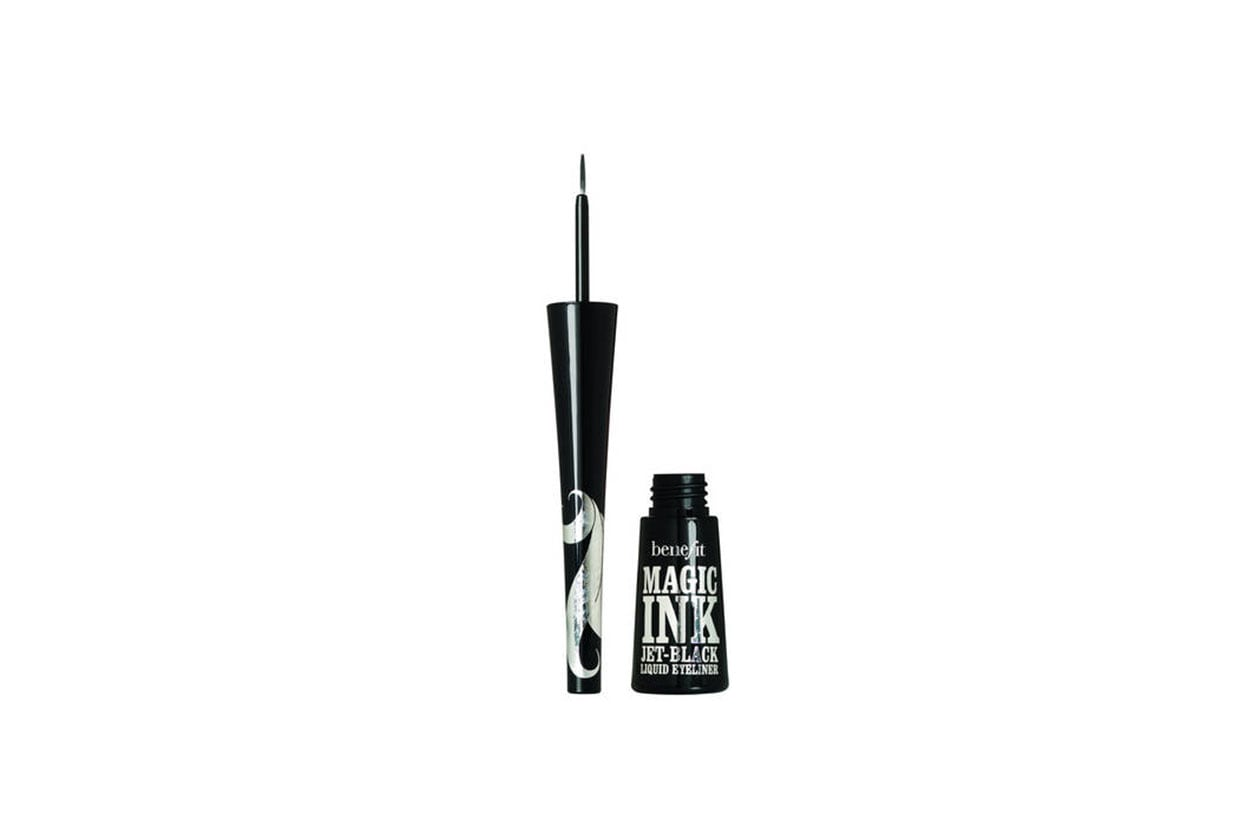 I MIGLIORI EYELINER NERI: MAGIC INK EYELINER DI BENEFIT COSMETICS
